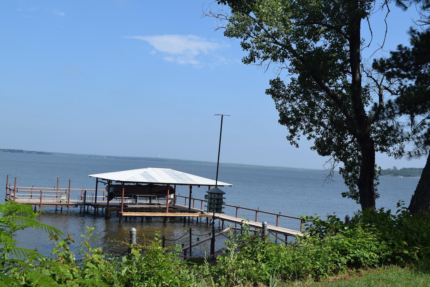 slate-real-estate-eagle-lake-featured-listing-2